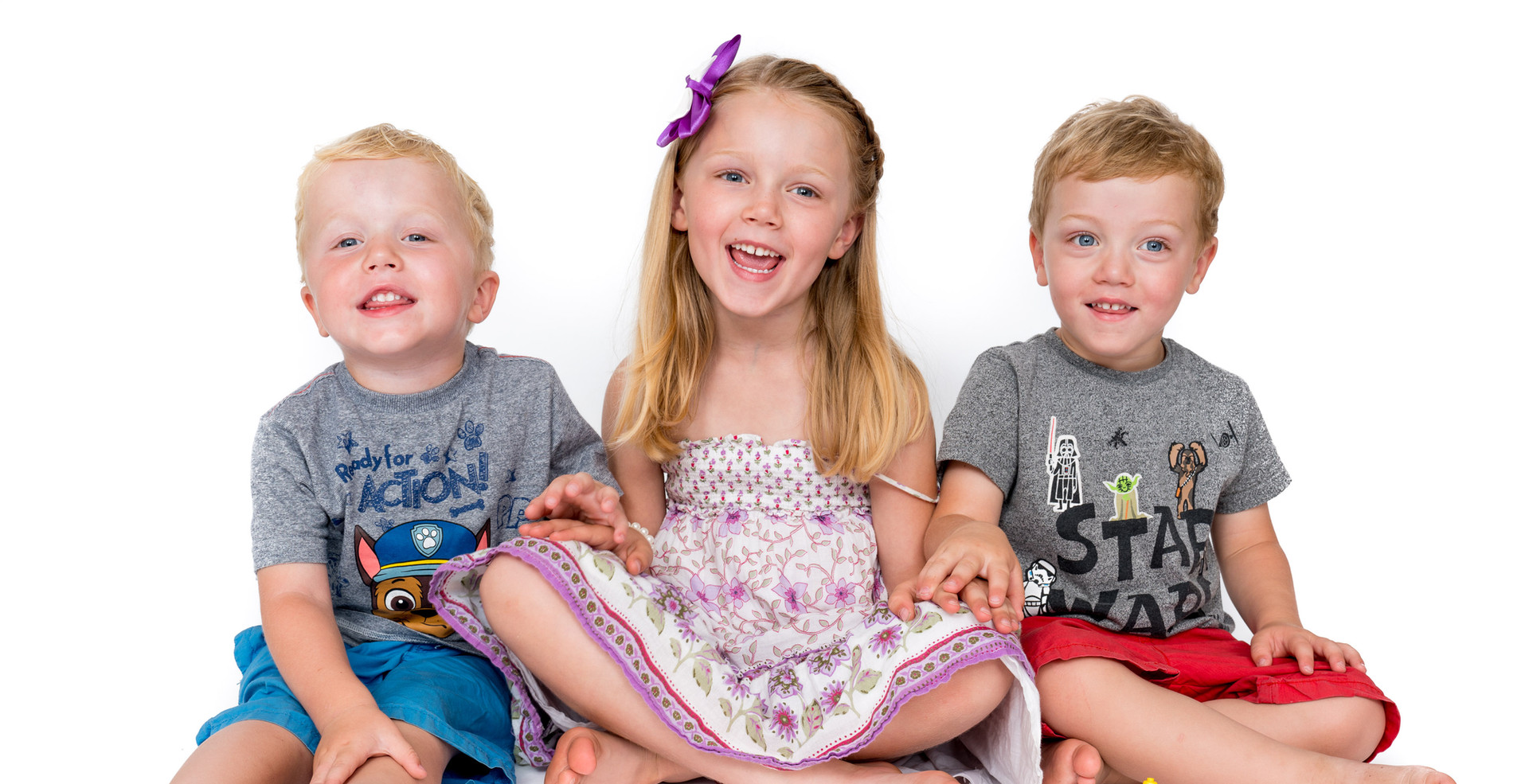 Studio Family Sibling Smiles.jpg