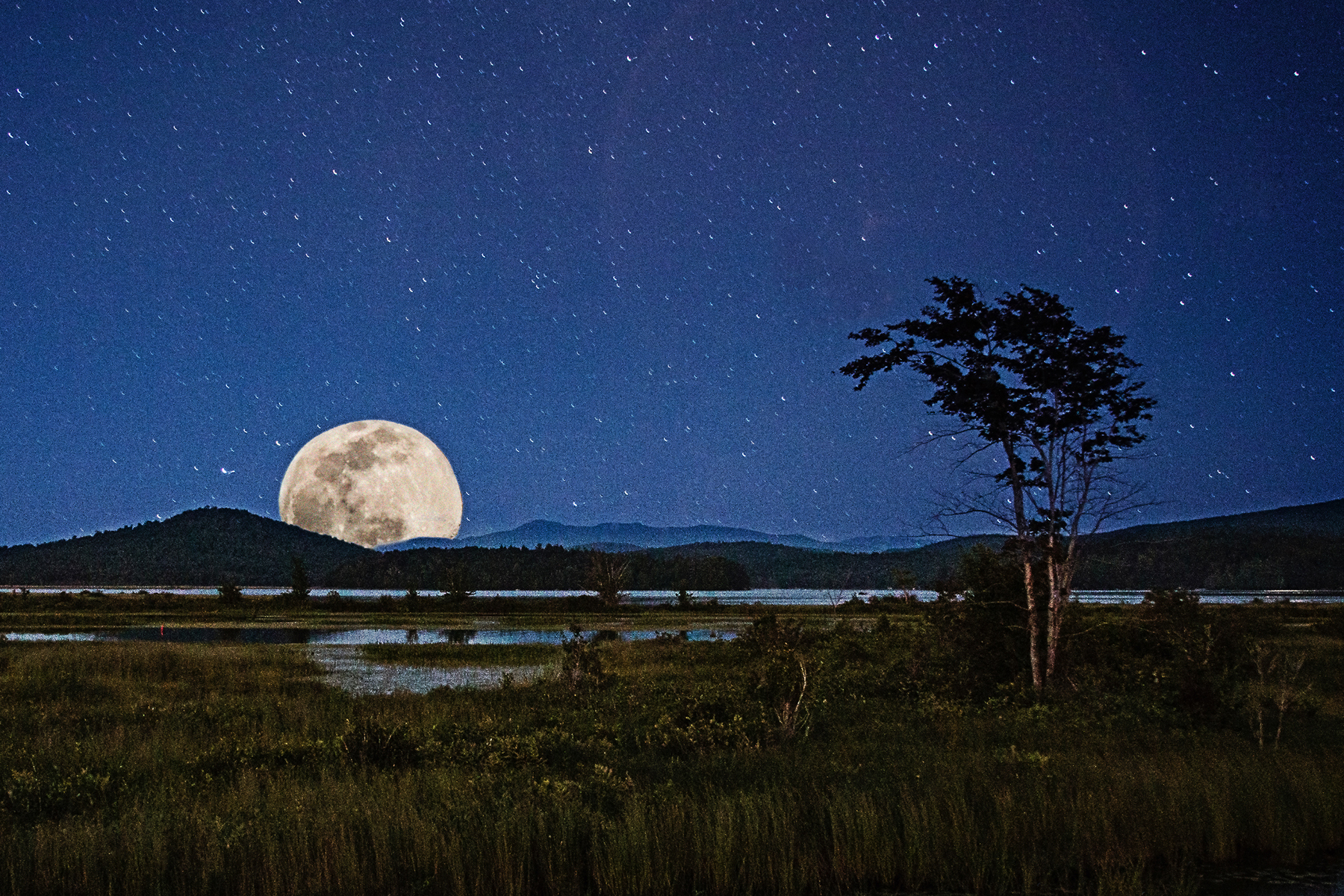 20140809 Sturgeon Moon Raqueete Lake NY.