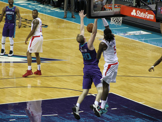 Hornets Fall to Clippers in Nail Biter