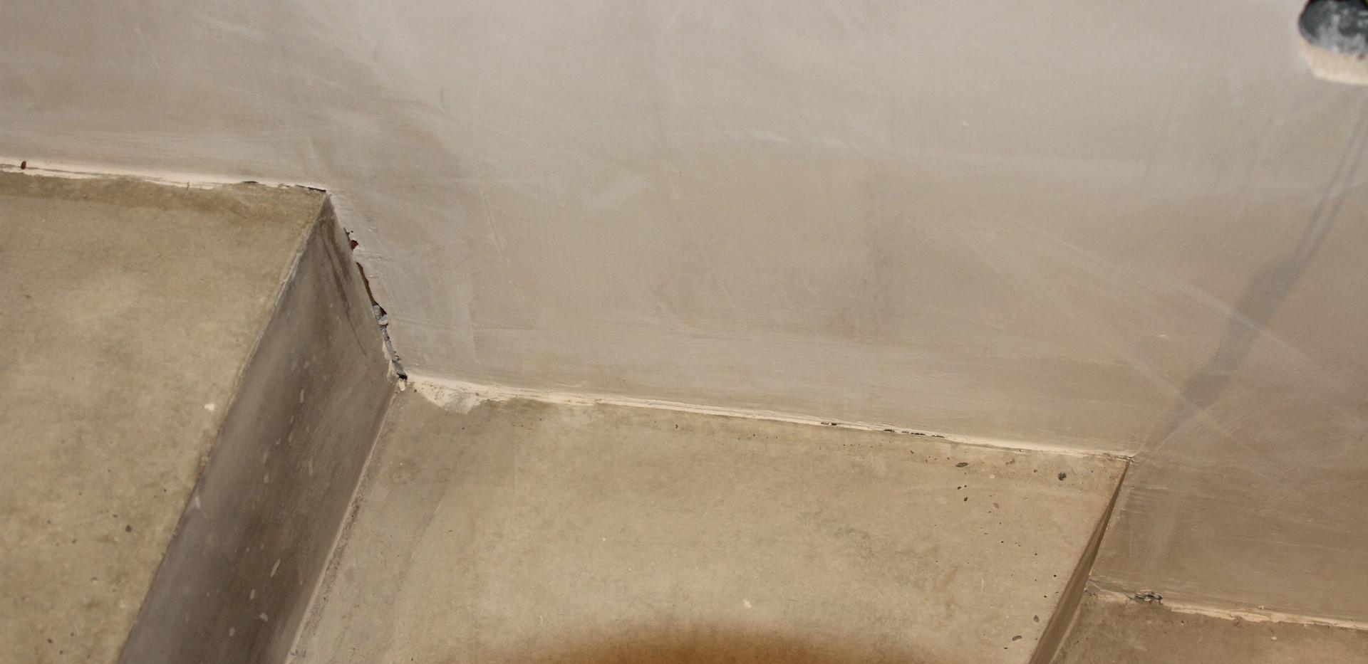 Keine Entkopplung Treppe zur Wand