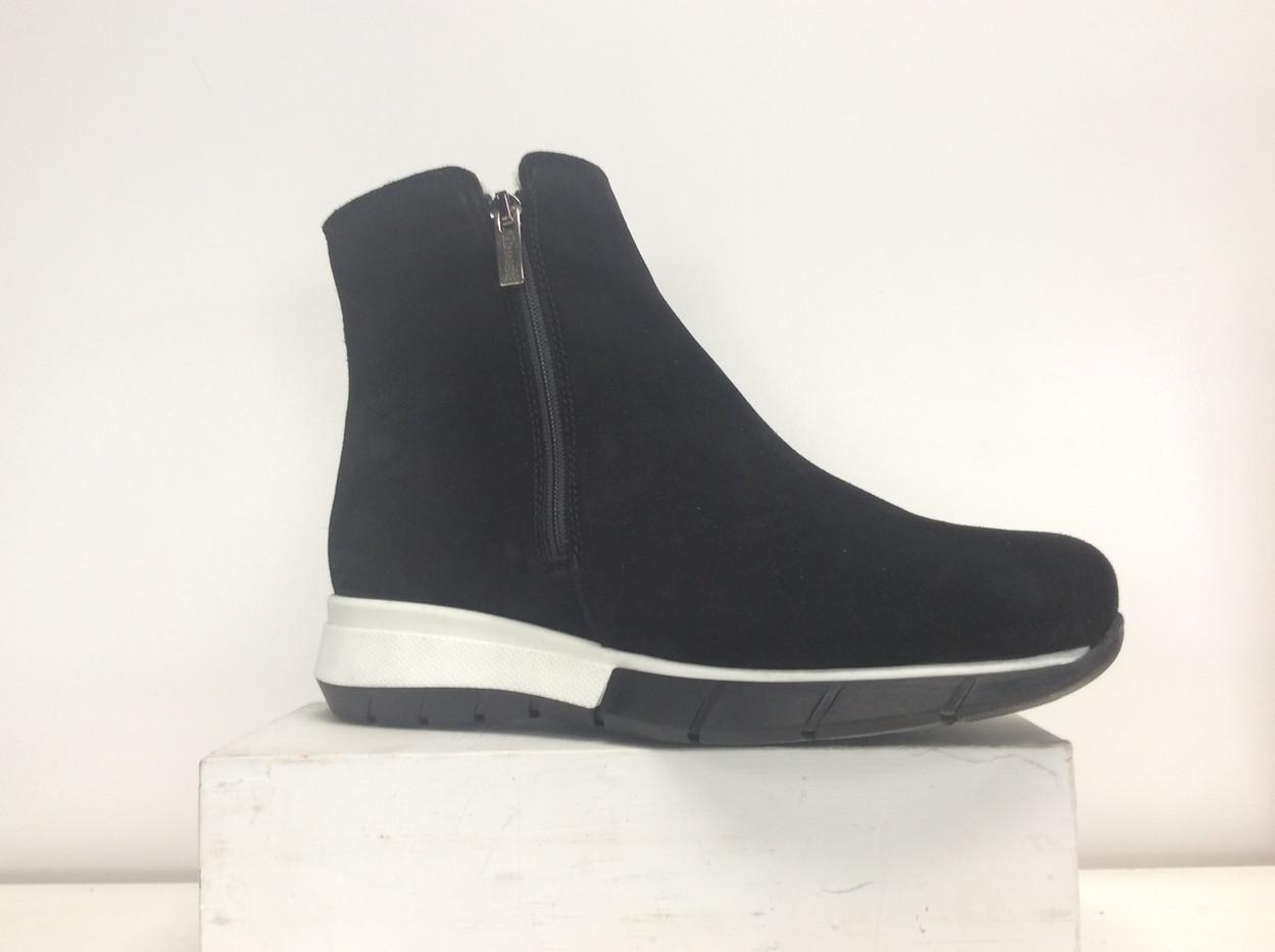 LC NIKOLA-550 BLACK.JPG