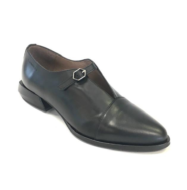 WND 1119-240 Black Leather.jpg
