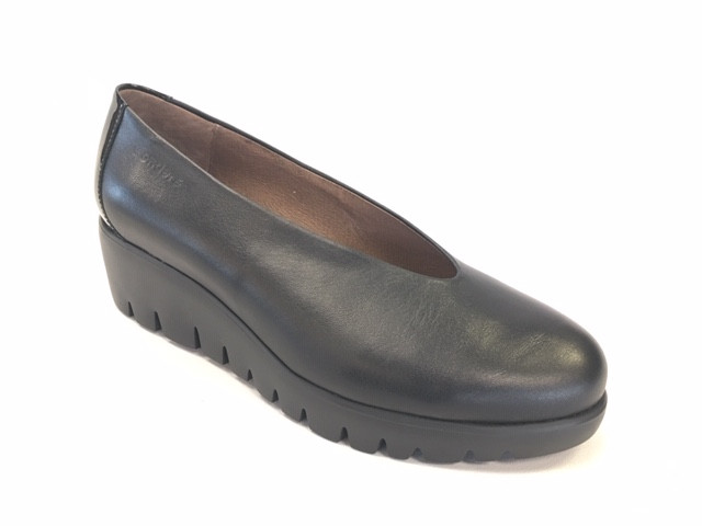 WND 1118-200 Black Leather.JPG