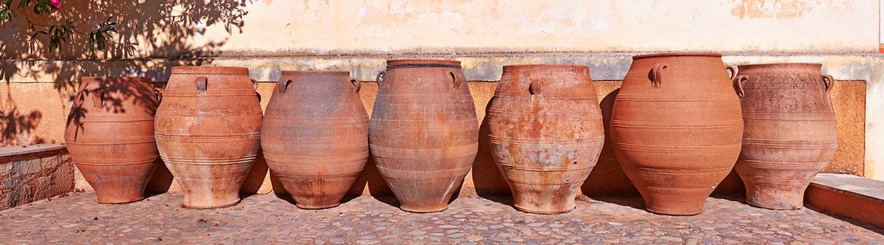 row-of-weathered-old-cretan-pots-prospec
