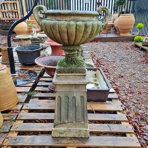 H Doulton & Co. Chimney Pot
