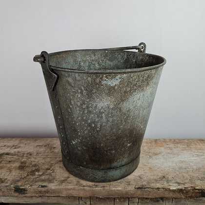 Quality Old Metal Bucket