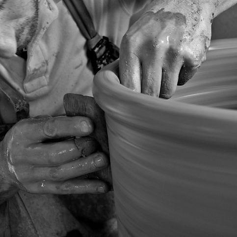 cretan_pottery87_edited.jpg