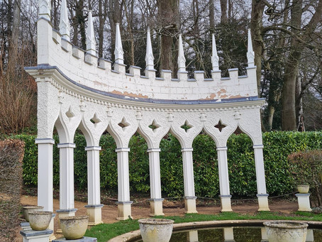 Thomas Visits: Painswick Rococo Garden