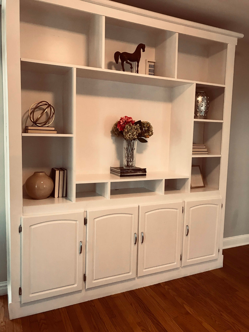 Univerity City, MO--bookcase styling