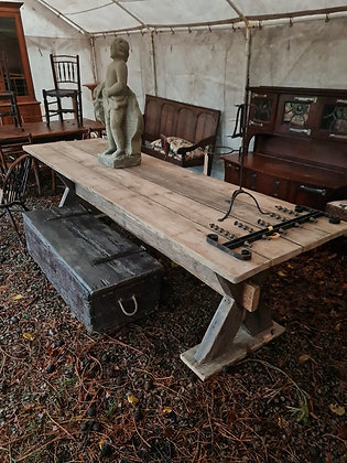 10ft Long Dining Table