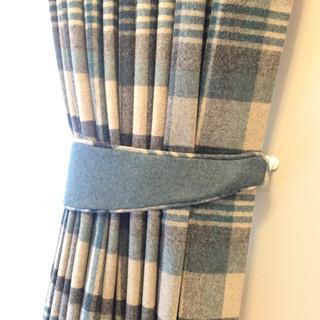 tie-back-&-curtain-poles-2.jpg