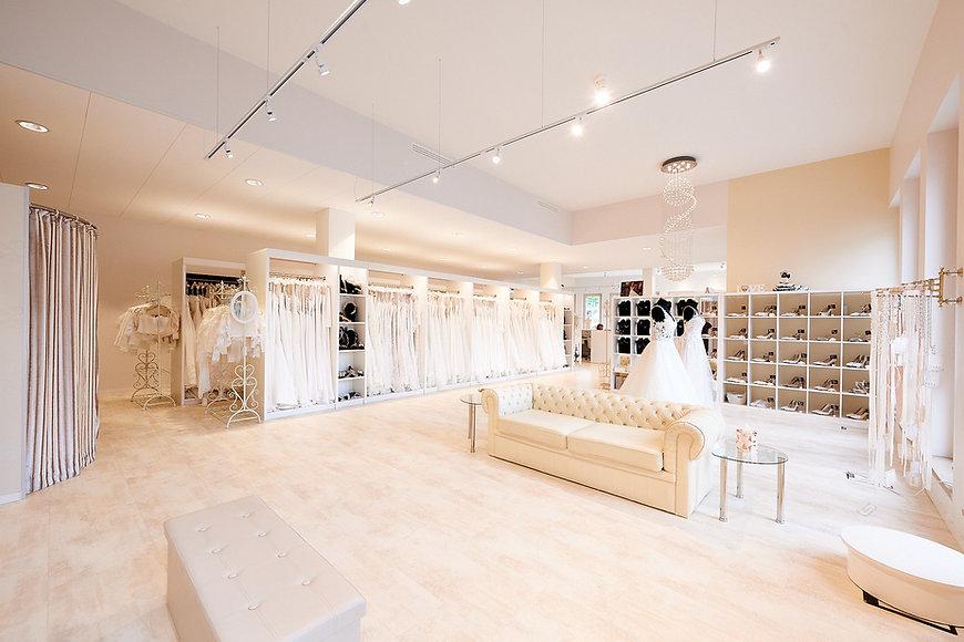 wedding-lounge-brautmoden-ingelheim-brautberatung-brautladen-maximilian-ruf-007.jpg