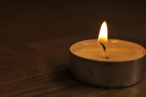 1409488_tea_candle_at_night_1
