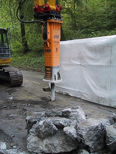 Brise roche machine chantier