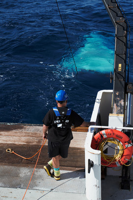 Launching a 10m2 MOCNESS (Gulf of Mexico)