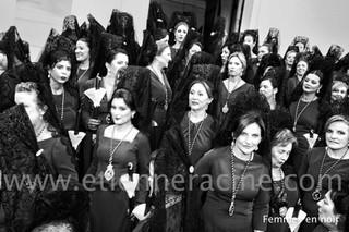 femmes en noir.jpg
