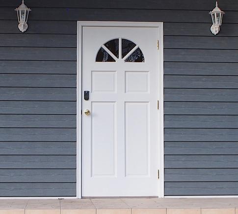 貸別荘「JKテラス」玄関ドア