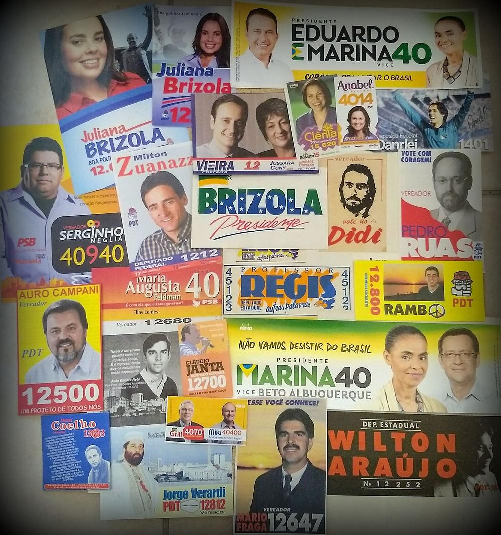 A velha coleção da infância se perdeu no tempo, mas ainda hoje guarda comigo recordações de eleições passadas. Santinhos, adesivos, panfletos, ainda fazem parte das minhas memórias guardadas.
