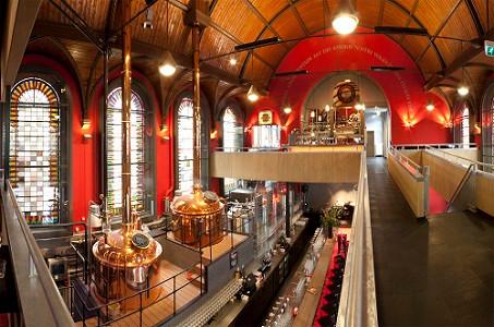 Jopenkerk Haarlem: een extreem voorbeeld van herbestemming van een kerk? Maar... het was eerder al een wijnhandel en brouwt nu lokaal bier. Een impuls voor de stad & het behoud van het gebouw.