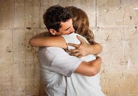 abraza mágicamente con el chackra corazón