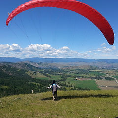 Learn to Paraglide in the Okanagan near Vernon BC