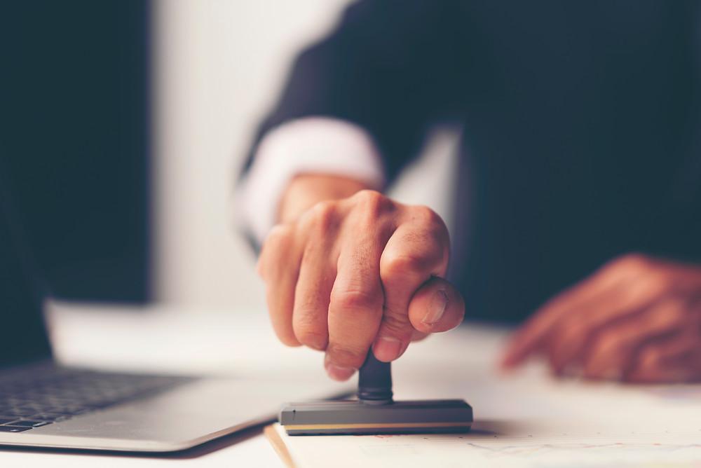 certification de facture e-commerce : tout ce qu'il faut savoir sur les factures et avoirs certifiés