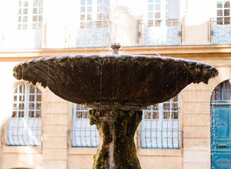 Une séance lifestyle dans les rues d'Aix en Provence avec Corinne