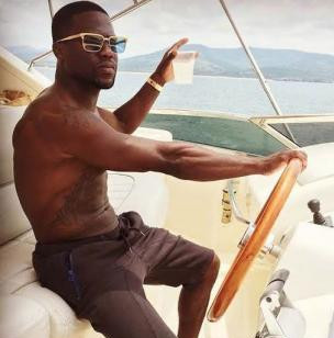Kevin Hart wears the Dita Eyewear Aristocrat, while on vacation in Mexico.