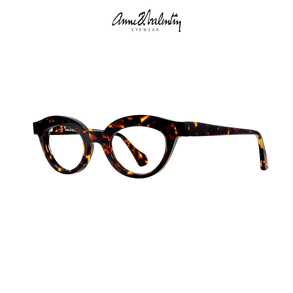 Anne et Valentin WE ARE PROUD, part of the Bold collection.