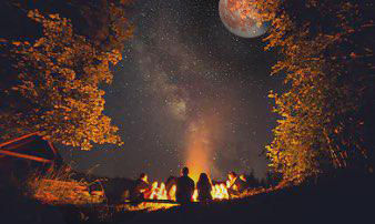 party-outdoor-gorgeous-full-harvet-moon-