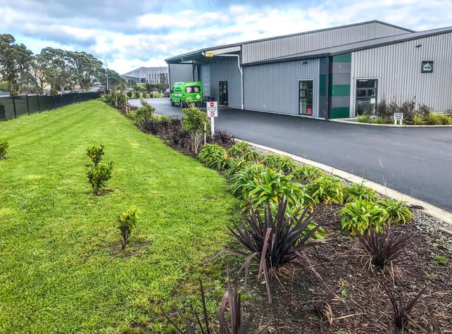 westland-work-gear-planting
