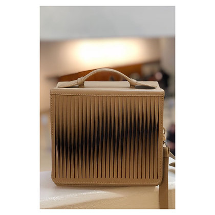 Nuez Handbag