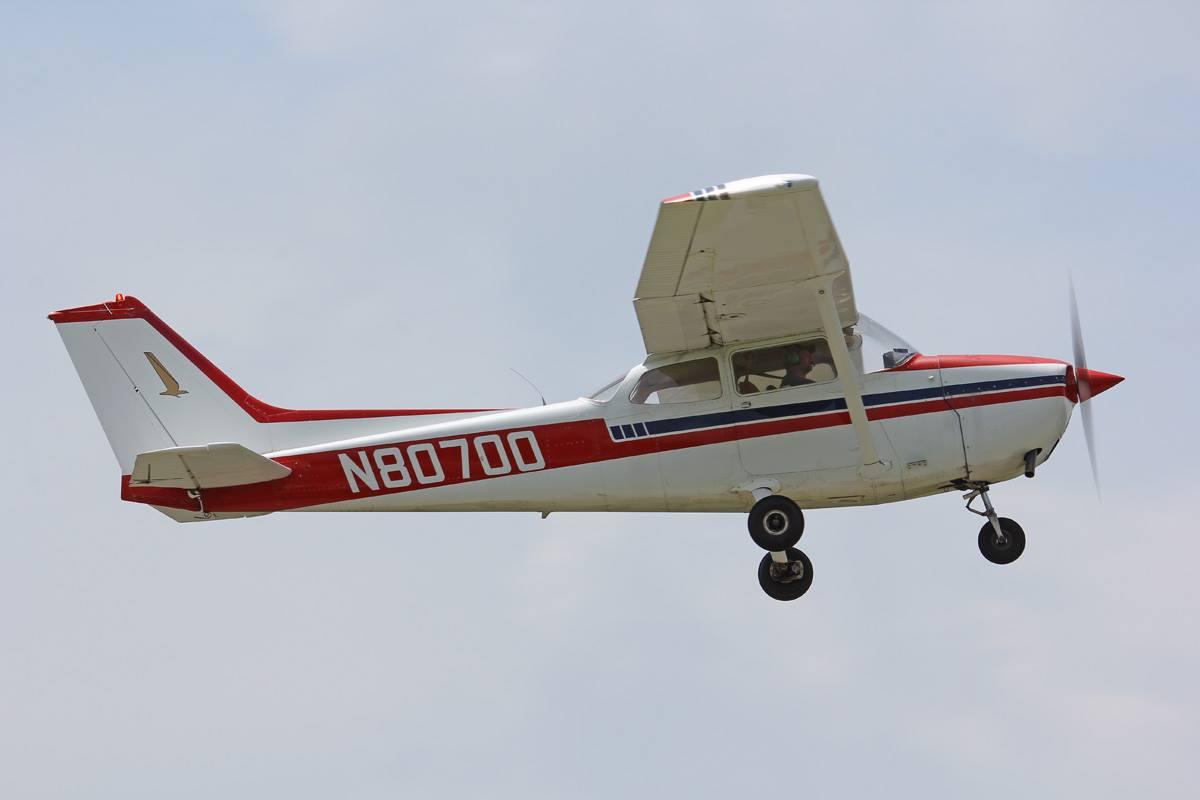 Cessna 700 flyby