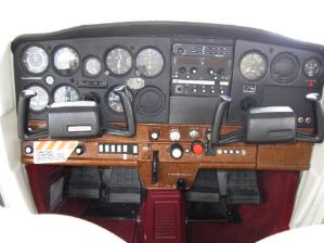 Cessna 152 panel