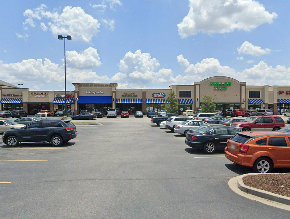 SHOPPES AT WHITE KNOLL