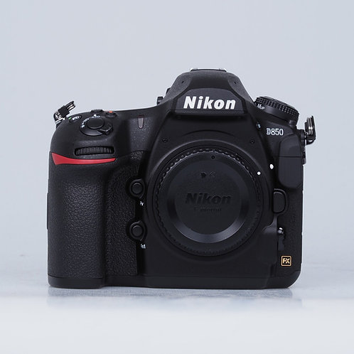 NIKON D 850