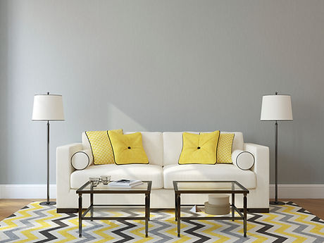 흰색과 노란색 거실