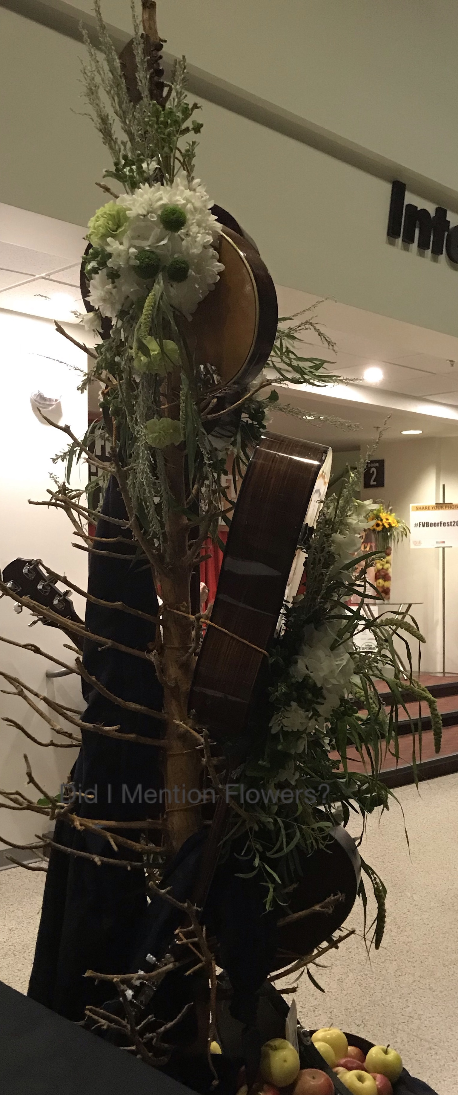 14 - Guitar Tree Show Stopper