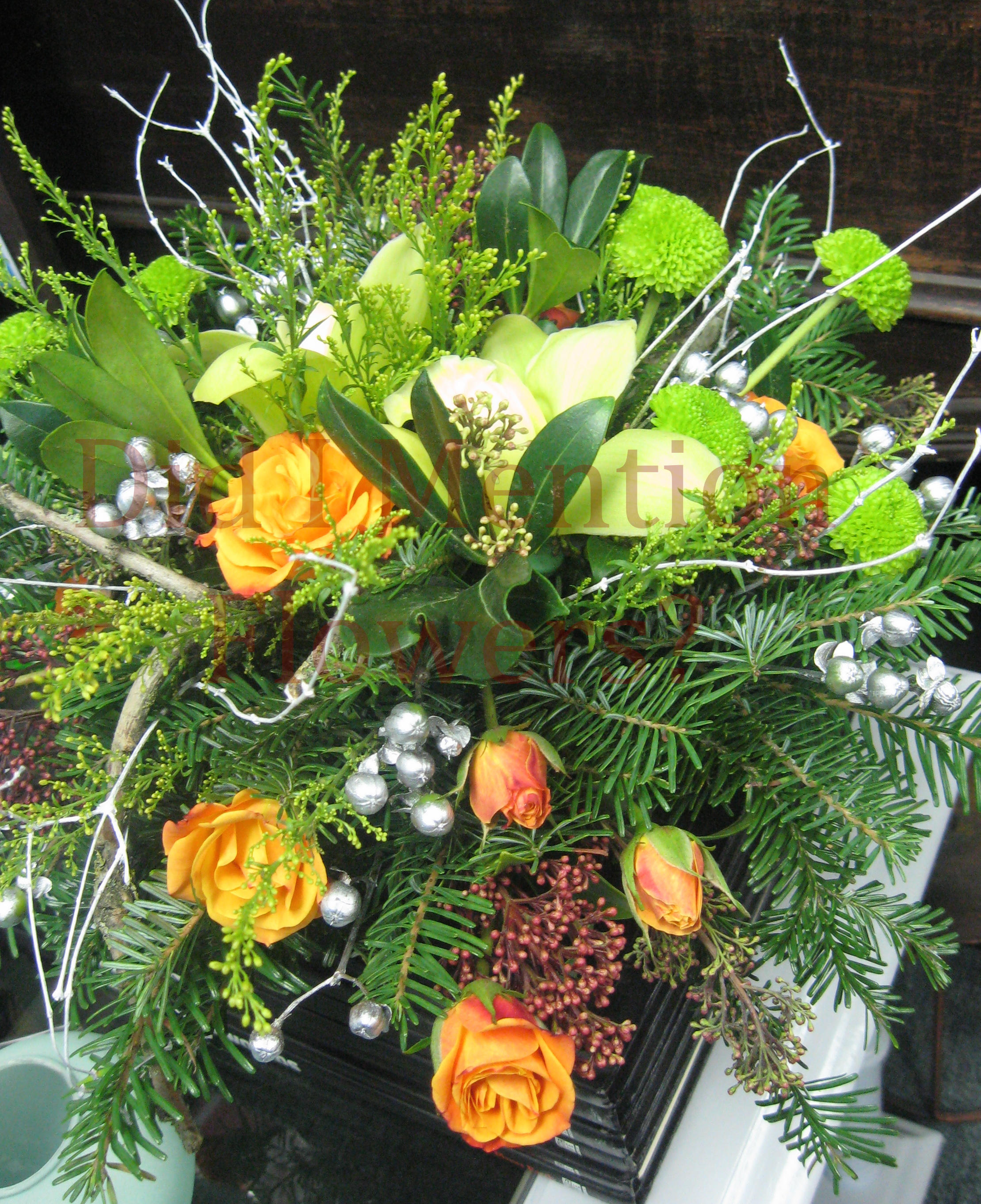 8 - Fresh Floral Christmas Centrepiece