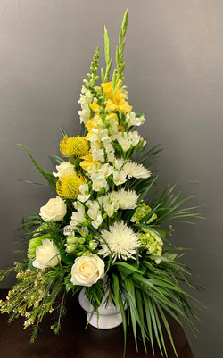 33 - Arrangement in a Container