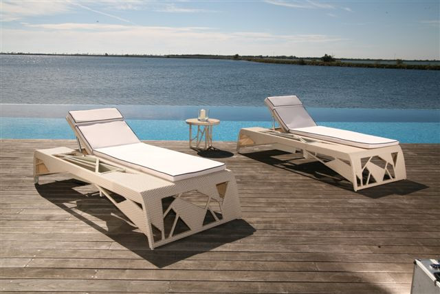 frame chaise longue 210x90x37-74 cm colonial.JPG