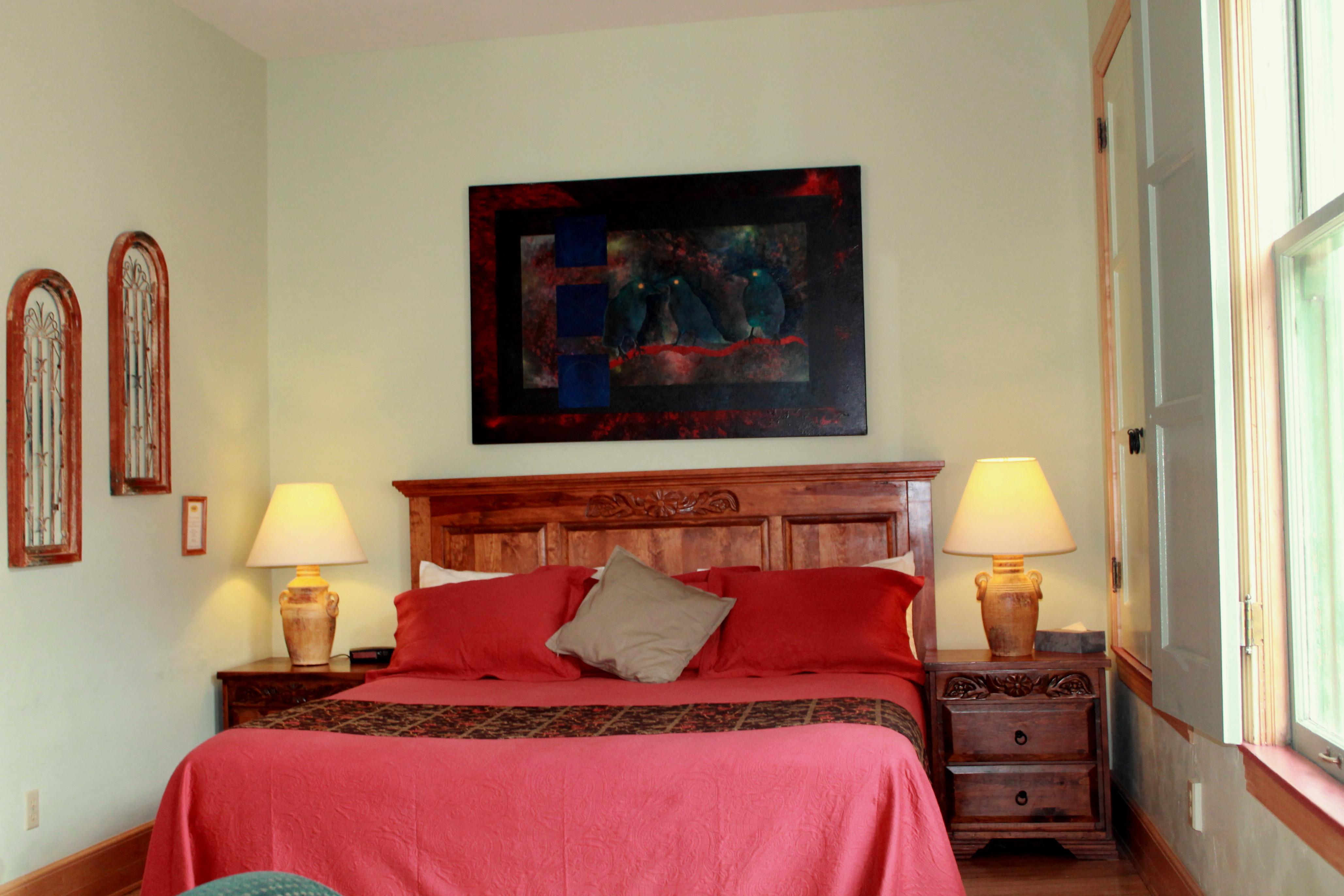 Suite 8 King.jpg