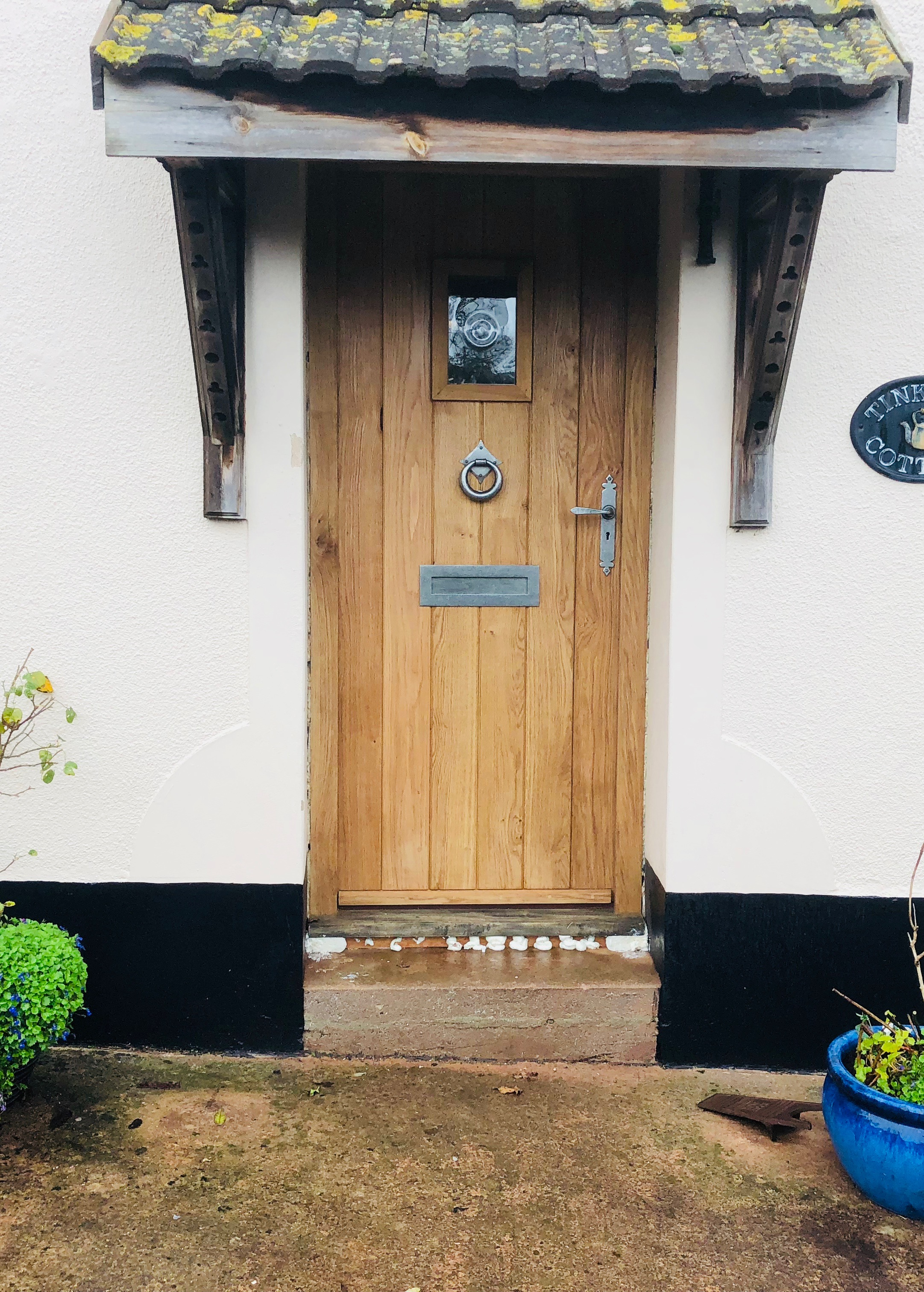 Oak door with bullion glass