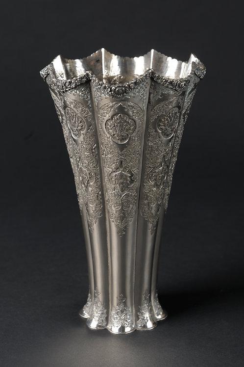 Schöne  Silbervase, Persien