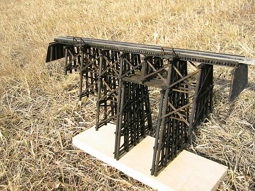 HO model 137 Wood  Trestle Bridge kit