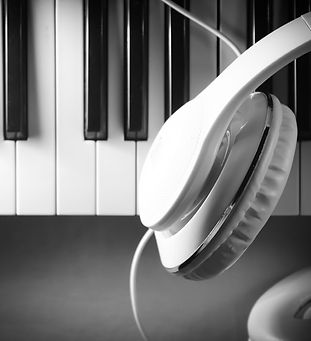 piano-4481072_1920.jpg