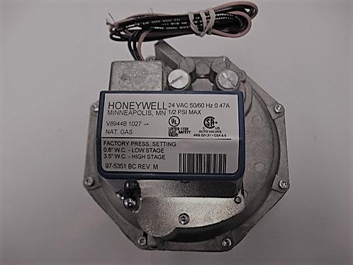 "V0051300 Honeywell 1 1/4"" 24V Diaphragm Comb. 2 Stg. Gas Valve"