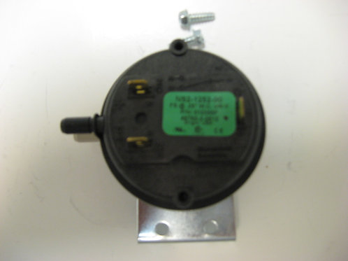 "010355F Raypak Air Pressure Switch .25"" WC 407"