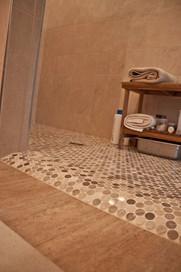 Rolled shower entrance