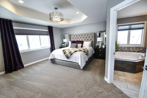 Carpet, blinds and tile